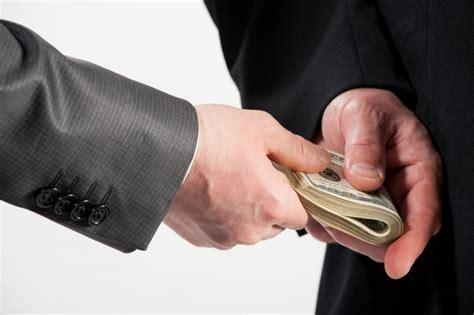 Зеленский: плати налоги или сиди в тюрме...