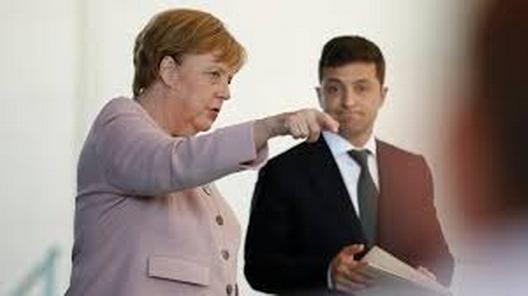 Визит Меркель в Украину назначен на 22 августа, почему?